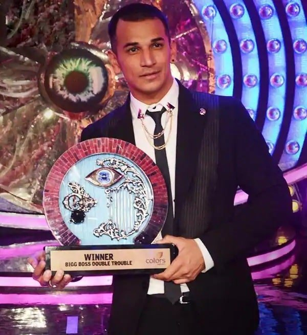 Prince With Bigg Boss 9 Trophy