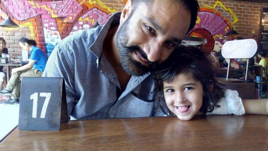 Ravinder Singh Virdi With His Daughter